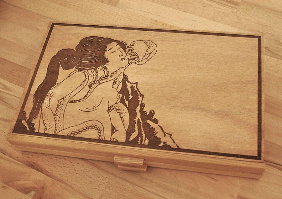 Boîte en bois gravé au laser