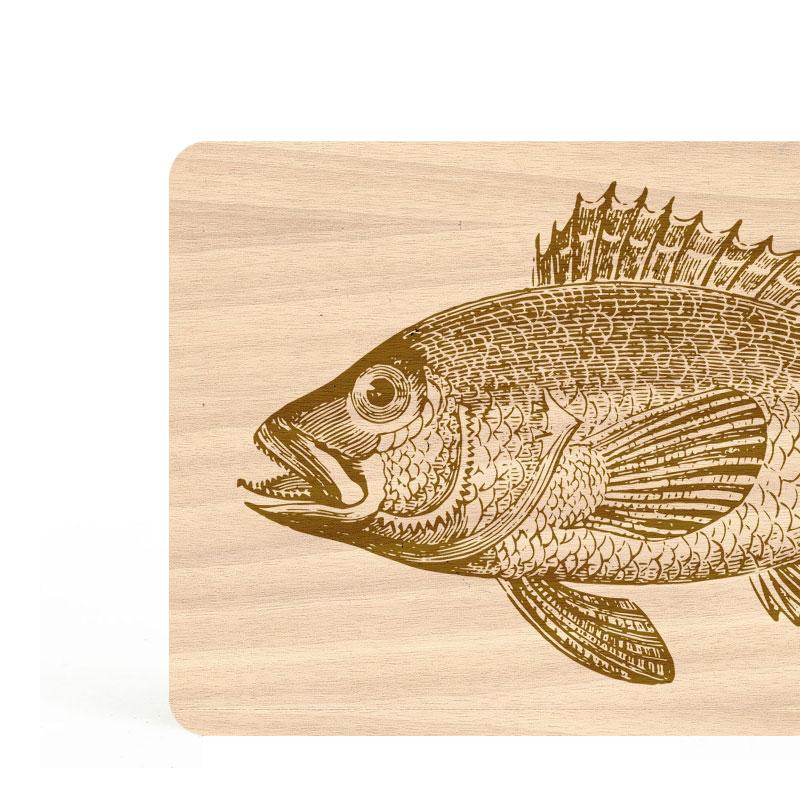 planches à découper en bois gravé