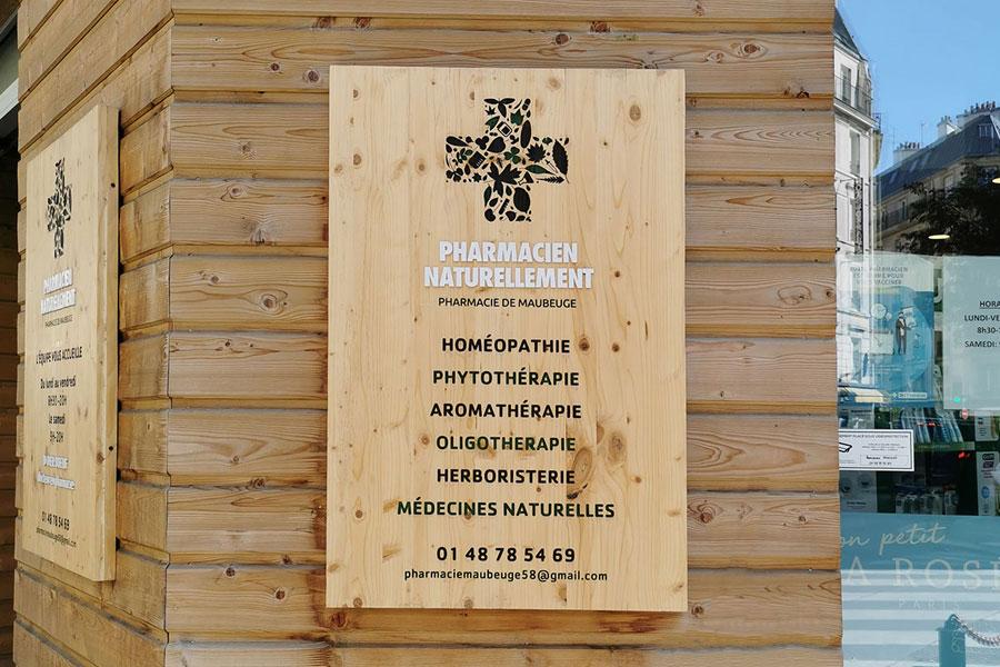 Enseigne en bois - Pharmacie Maubeuge